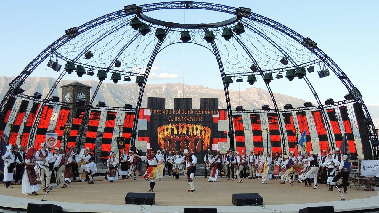 FOLK-ON-FESTIVALI FOLKLORIK KOMBËTAR I GJIROKASTRËS 2004